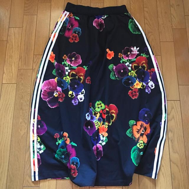 adidas(アディダス)のadidas originals ロングスカート レディースのスカート(ロングスカート)の商品写真