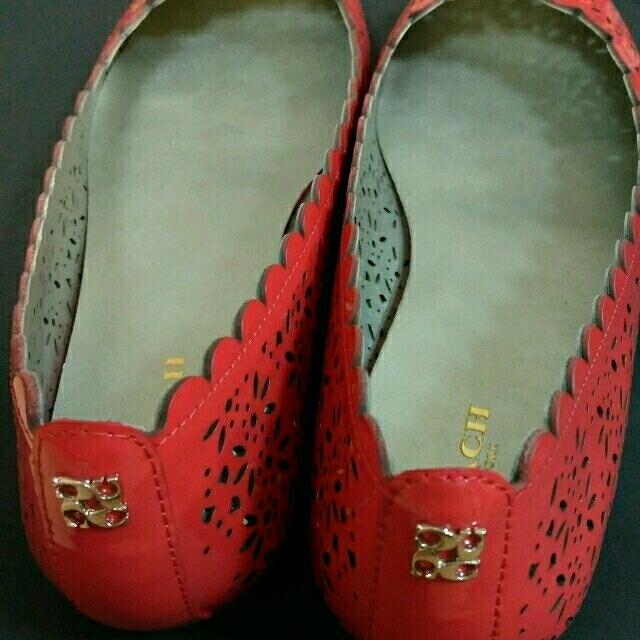 COACH(コーチ)の☆LEON様専用☆   コーチ 赤 パンプス 24  レディースの靴/シューズ(ハイヒール/パンプス)の商品写真