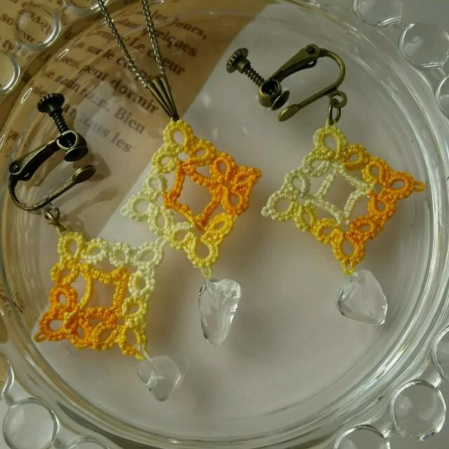 タティングのネックレス&イヤリングセット ハンドメイドのアクセサリー(イヤリング)の商品写真