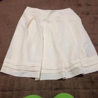 ハニーズ(HONEYS)のhoneys/白スカート(ひざ丈スカート)