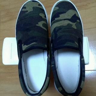 ジーユー(GU)のGU 迷彩の靴(スニーカー)