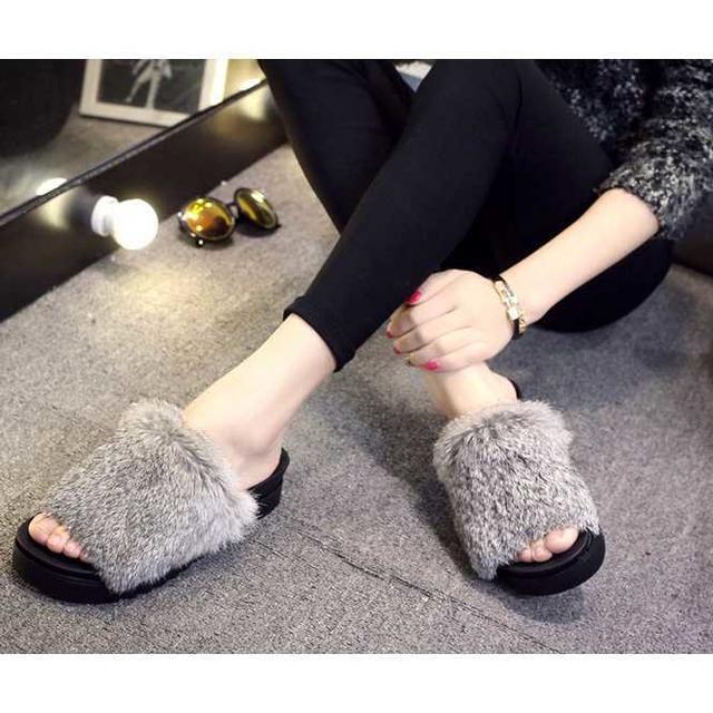 今季モデル♪ サンダル ファーサンダル 厚底 ファー付 M138 ライトグレー レディースの靴/シューズ(サンダル)の商品写真