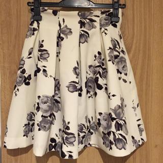 ノエラ(Noela)のノエラ スカート 花柄(ひざ丈スカート)