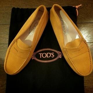 TOD'Sドライビングシューズ(ローファー/革靴)