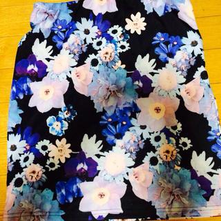 マーキュリーデュオ(MERCURYDUO)のマーキュリー 花柄タイトスカート(ミニスカート)