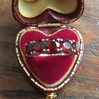 5石のガーネットのシルバーリング 刻印あり(リング(指輪))