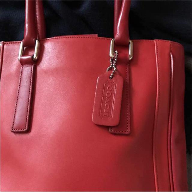 COACH(コーチ)のコーチ本革レッドのバッグ レディースのバッグ(トートバッグ)の商品写真