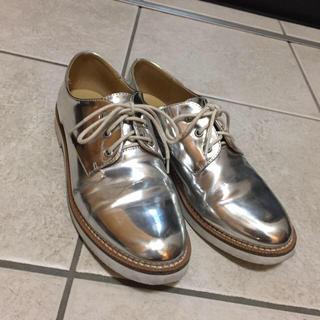 フォーエバートゥエンティーワン(FOREVER 21)のForever21シルバーシューズ(ローファー/革靴)