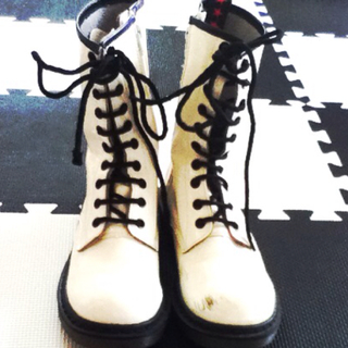 White マーチンブーツ(ブーツ)
