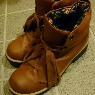 シマムラ(しまむら)のゆの様お取り置き中 ブラウン ブーツ(ブーツ)