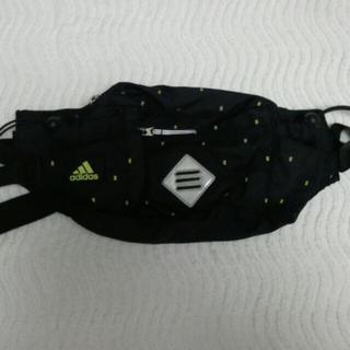 アディダス(adidas)のadidas 黒ウエストバッグ(ボディバッグ/ウエストポーチ)