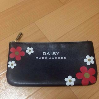 デイジー(Daisy)のDAISY MARC ポーチ(ポーチ)