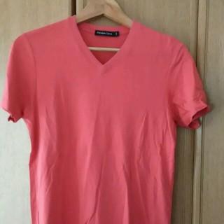 ユニクロ(UNIQLO)のサーモンピンクのシャツ(シャツ)