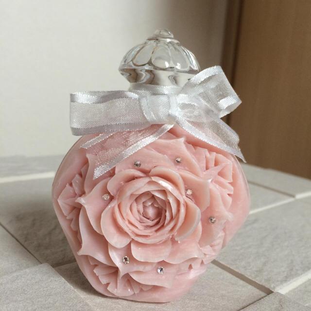 ソープカービング(香水瓶 ピンク) ハンドメイドのフラワー/ガーデン(その他)の商品写真