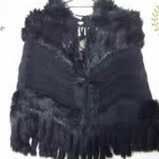 Rady(レディー)のレディー ポンチョ Rady ファー 黒 レディ ブラック フード アウター レディースのジャケット/アウター(ポンチョ)の商品写真