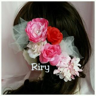 専用です。チュール、赤、白、ピンク♡ラナンキュラス、薔薇、紫陽花♡髪飾りセット(ヘアピン)