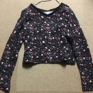 ジーユー(GU)の花柄トップス(Tシャツ(長袖/七分))