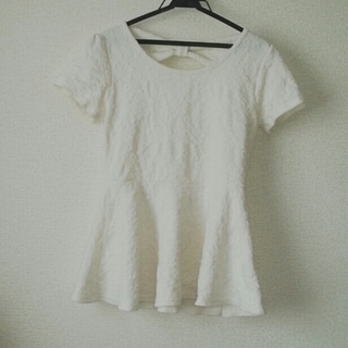 ミスティウーマン(mysty woman)のペプラムトップス/ミスティーウーマン(Tシャツ(半袖/袖なし))