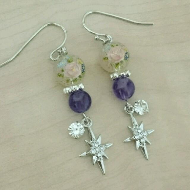 綺麗なローズとクロスダイヤ煌めくピアス ハンドメイドのアクセサリー(ピアス)の商品写真