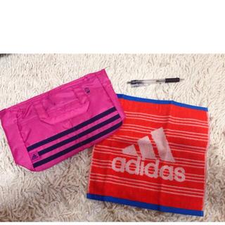 アディダス(adidas)のバッグインバッグ(ハンドタオル付)(ポーチ)