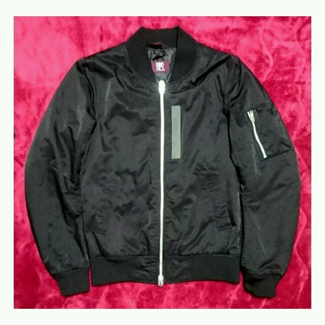 黒 シンプル ma-1 ブルゾン メンズ アウター メンズのジャケット/アウター(ブルゾン)の商品写真
