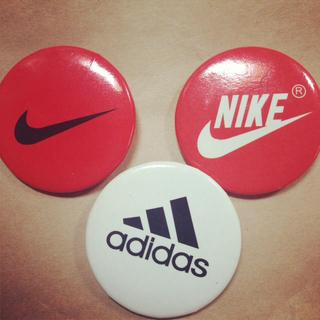 アディダス(adidas)のNIKE*adidas*バッチ(その他)