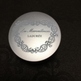レメルヴェイユーズラデュレ(Les Merveilleuses LADUREE)の新品 ラデュレ チーク(チーク)