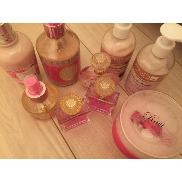 L'OCCITANE(ロクシタン)のボディーケア用品香水まとめ売り コスメ/美容のボディケア(ボディローション/ミルク)の商品写真