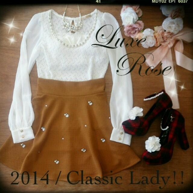 Luxe Rose(リュクスローズ)の【送料無料】ビジュー付きフレアスカート 赤 Mサイズ 美品 レディースのスカート(ミニスカート)の商品写真