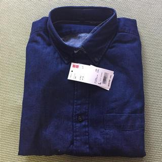 ユニクロ(UNIQLO)のタグ付き新品  UNIQLO 長袖 デニムシャツ L(シャツ)