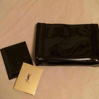 イヴサンローランボーテ(Yves Saint Laurent Beaute)の新品未使用【市場価格 7000円相当】イブサンローラン ポーチとミラーのセット(ポーチ)