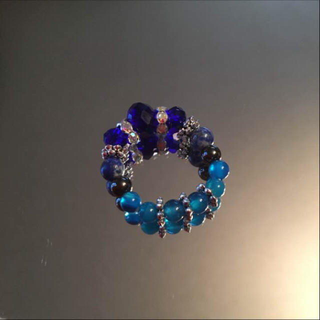 クリスタルブルーが可愛い♡クリスタルブルーとブルーアゲート リング ハンドメイドのアクセサリー(リング)の商品写真