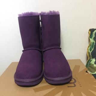 アグ(UGG)の【新品・未使用】UGG BAILEY  BOW  EXOTIC  SCALES (ブーツ)