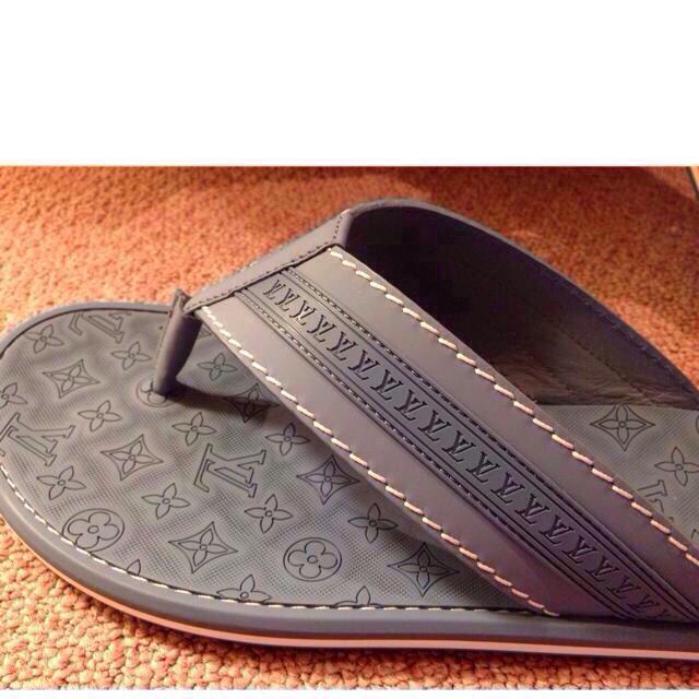 LOUIS VUITTON(ルイヴィトン)のお取り置き中。。꒰ ♡´∀`♡ ꒱ レディースの靴/シューズ(サンダル)の商品写真