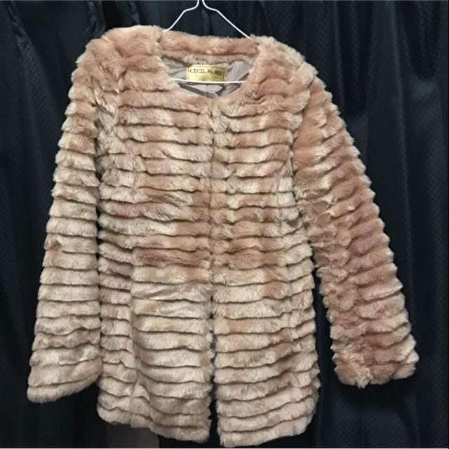 CECIL McBEE(セシルマクビー)のセシルマクビー  ファーコート レディースのジャケット/アウター(毛皮/ファーコート)の商品写真