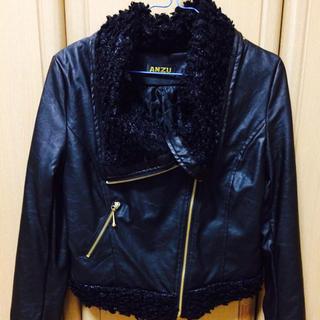 アンズ(ANZU)のジャケット(ライダースジャケット)