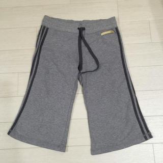 アディダス(adidas)のアディダス ハーフパンツ 膝下 薄手のスウェット adidas(ハーフパンツ)