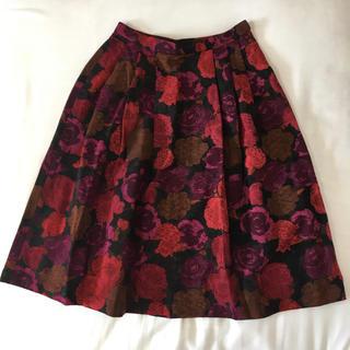 ロキエ(Lochie)のローズ模様 フレアスカート(ひざ丈スカート)