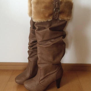 アンレリッシュ(UNRELISH)のUNRELISH♡ファー付きロングブーツ(ブーツ)