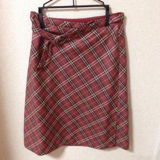 バーバリー(BURBERRY)のバーバリー☆赤チェックスカート ベルト付(ひざ丈スカート)