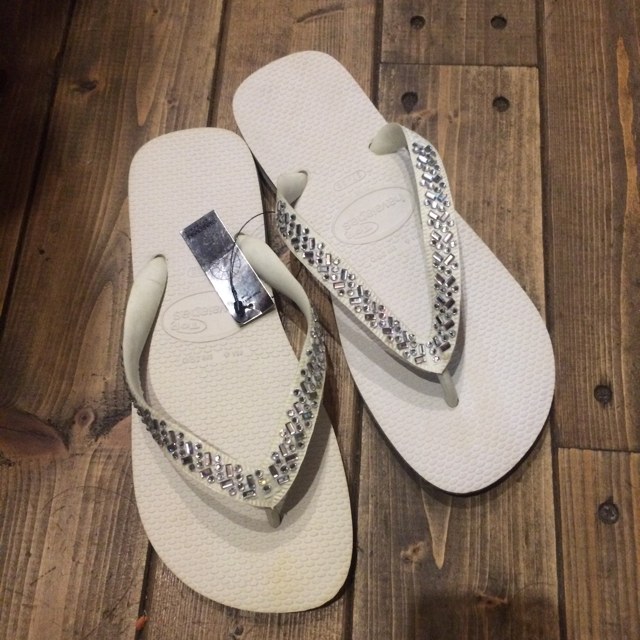 havaianas(ハワイアナス)のハワイアナス新品ビーチサンダル スワロフスキー付ロンハーマン未使用LAサンダル レディースの靴/シューズ(ビーチサンダル)の商品写真