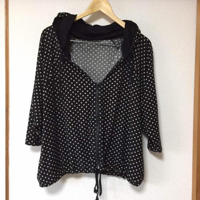 フードポンチョ  ドルマン ドット 水玉 ブラック 黒 レディースのジャケット/アウター(ポンチョ)の商品写真