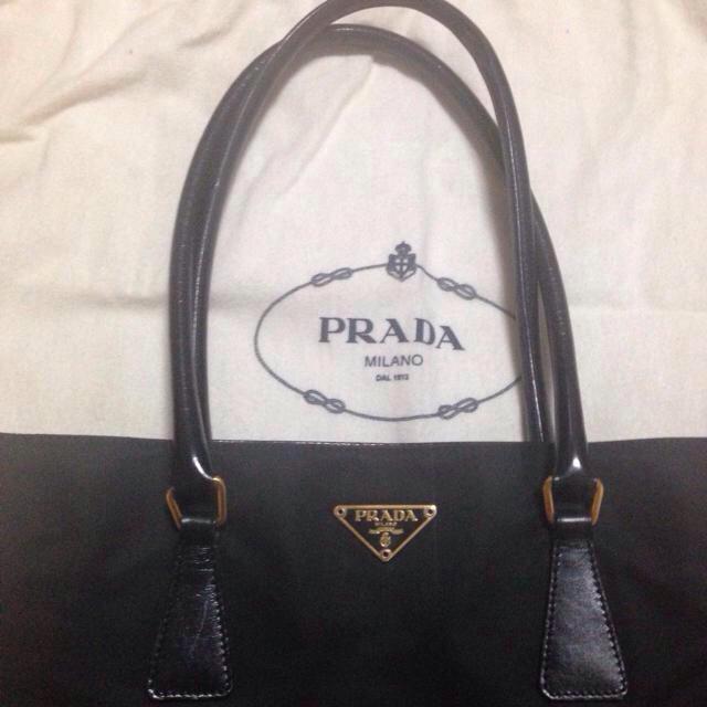PRADA(プラダ)のプラダ♡ナイロントートバッグ ブラック レディースのバッグ(トートバッグ)の商品写真