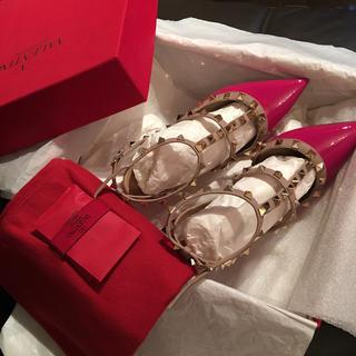 ヴァレンティノガラヴァーニ(valentino garavani)の美品正規品ヴァレンティノ♡ロックスタッズパンプス(ハイヒール/パンプス)