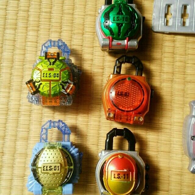 BANDAI(バンダイ)の仮面ライダー鎧武 ベルト ロックシード エンタメ/ホビーのフィギュア(特撮)の商品写真