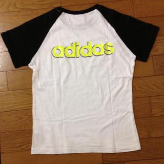 アディダス(adidas)のadidasの蛍光ロゴTシャツ(Tシャツ(半袖/袖なし))