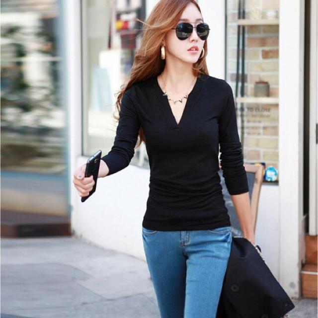 小顔 Vネック ♪ 長袖 トップス チュニック Tシャツ カットソー(ブラック) レディースのトップス(チュニック)の商品写真