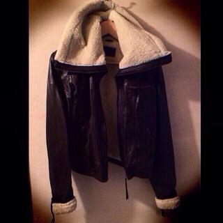 パリのセレクトで購入ラムレザーライダース(ライダースジャケット)