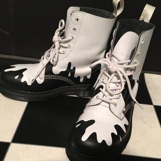 ドクターマーチン(Dr.Martens)のドクターマーチン ペンキ柄8ホールブーツ(ブーツ)