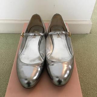 ミュウミュウ(miumiu)の★SALE★MiuMiu 靴(ローファー/革靴)